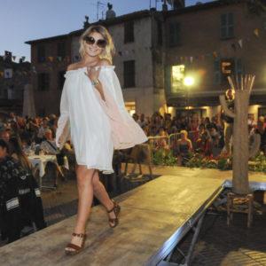 défilé de mode à Biot