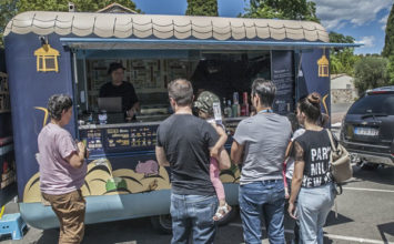Les Food trucks s'installent à Biot