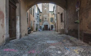 Travaux de réhabilitation de la place de l'Eglise et de la rue de la Caroute : stationnement et circulation