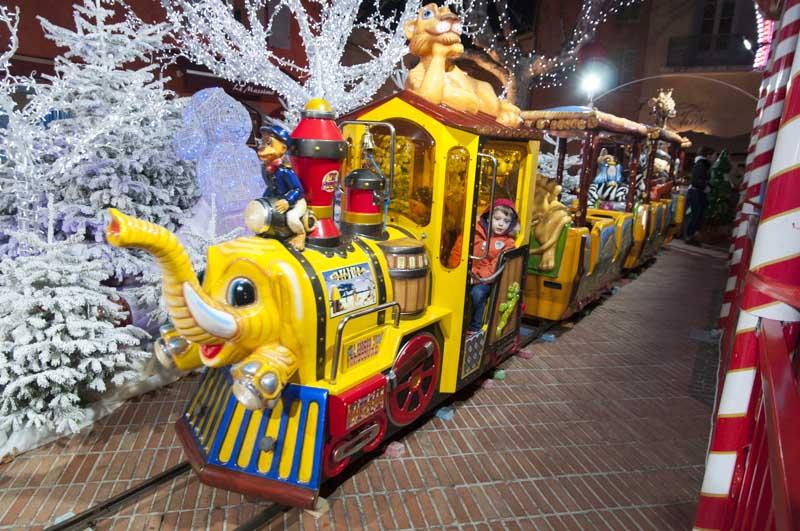 Petit train de Noël à Biot